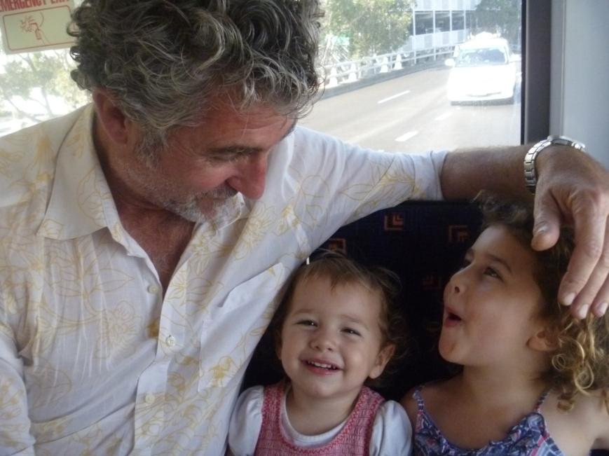 Las enanas, felices en su reencuentro con Daddy